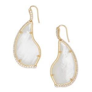 KENDRA SCOTT • Tinley Drop Earrings